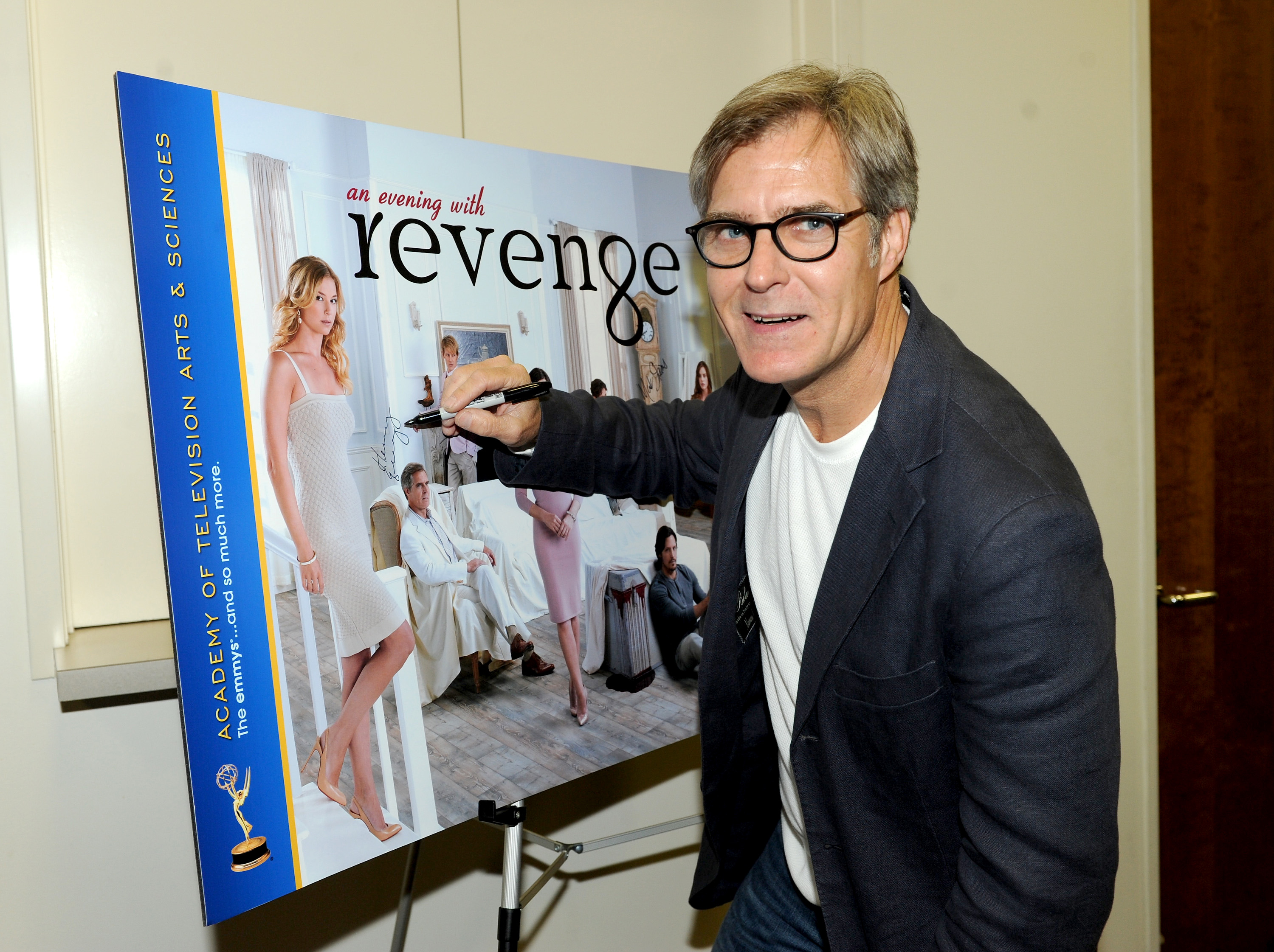 """REVENGE"" – ABC TV's Biggest Cast Scandal! Shhhh!"