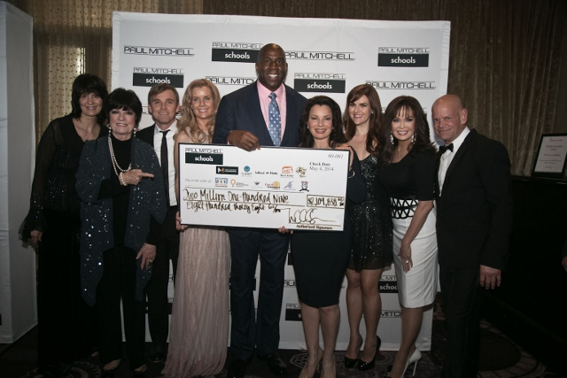2014 FUNraising Gala OFFICIAL PHOTO (640x427)